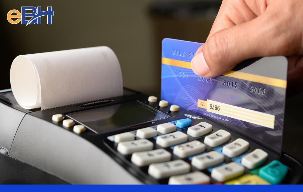 Người lao động hằng tháng đóng bằng 22% mức thu nhập tháng vào quỹ hưu trí và tử tuất